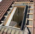 montážní postup při výměně starého střešního okna za nové, zdroj: Velux ČR