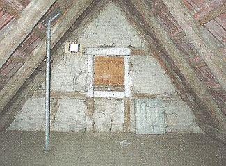 Izolace podkroví pod hřebenem, zdroj: Grada