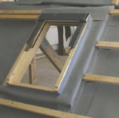 Napojení podstřešní DHV ke střešnímu oknu, zdroj: JUTA a.s.
