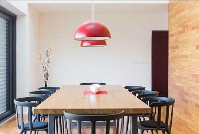 Interiér RD v Jesenici, zdroj: Lindab ve spolupráci s realizační firmou Střechy Kučera a architektonickým studiem MIO architects