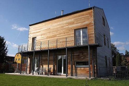 Ilustrační fotografie pasivního rodinného domu s ocelovou tenkostěnnou konstrukcí Lindab Construli, zdroj: Lindab a.s.