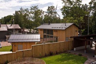 Kombinace přírodních materiálů - dřevo, sklo a ocel ve finské architektuře domunije, foto zdroj Ruukki