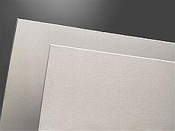 cementotřísková deska s hladkým povrchem opatřená základním nátěrem Cetris Plus