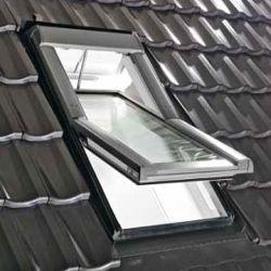ROTO - kyvné nízkoenergetické elektricky ovládané střešní okno Designo R65 KWD AL RotoTronic - zasklení 8C